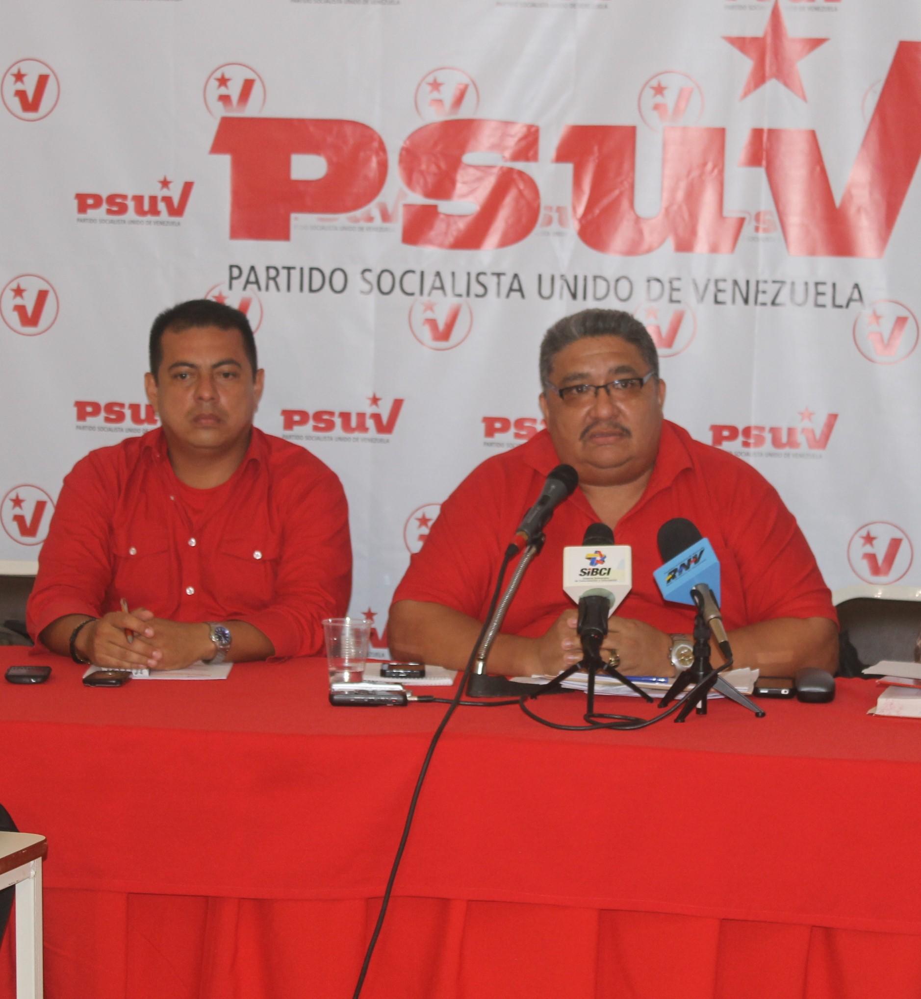 29.07.13 PSUV rueda de prensa 038