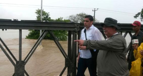 Gobernador Supervisando los Ríos 25-06-2015